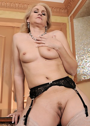 Tight MILF Pussy Porn Pictures