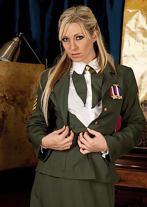 Military MILF Porn Pictures