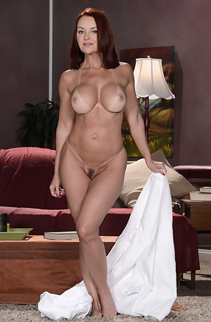 Cougar MILF Porn Pictures