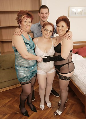 MILF Foursome Porn Pictures