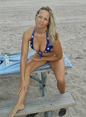 MILF Beach Porn Pictures