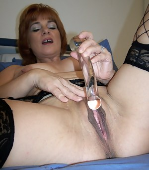 Big Pussy MILF Porn Pictures